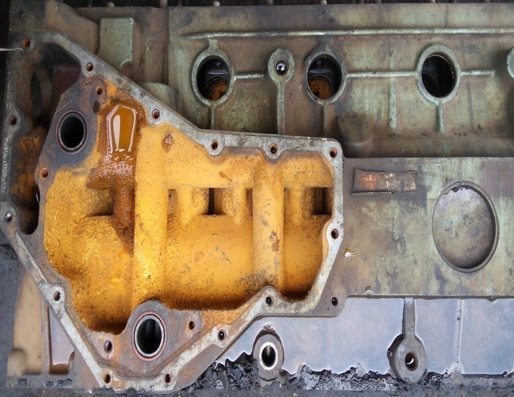 RUST/CORROSION IN WATER JACKET OF A HEAVY DUTY ENGINE BLOCK